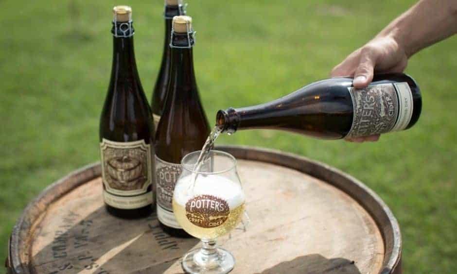 Potter's Cider pour