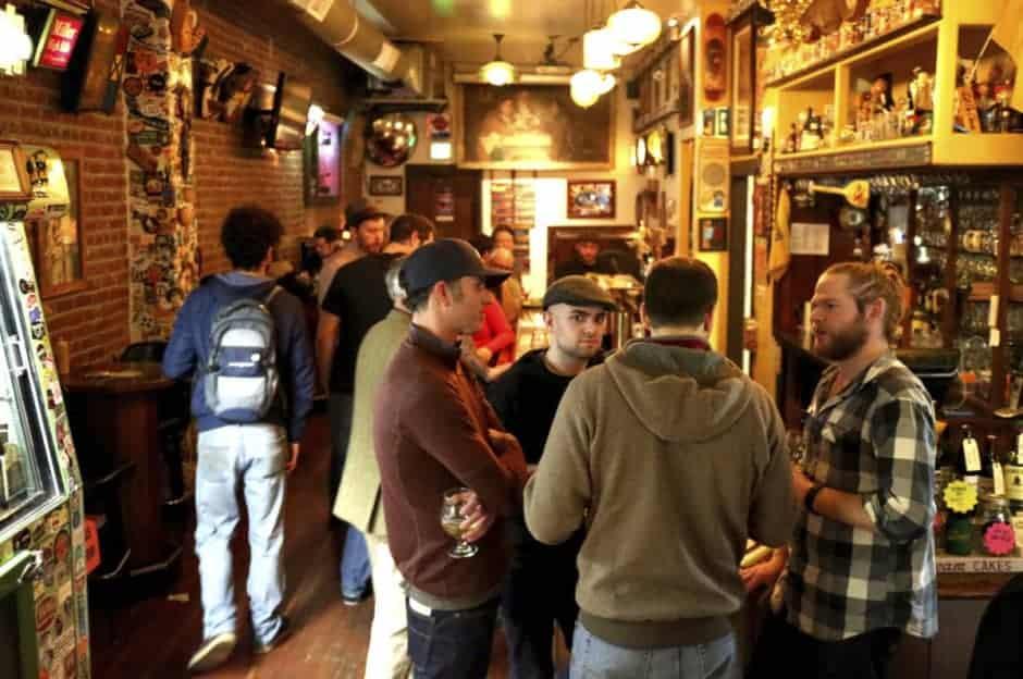 Cider Saraveza_Busy Bar