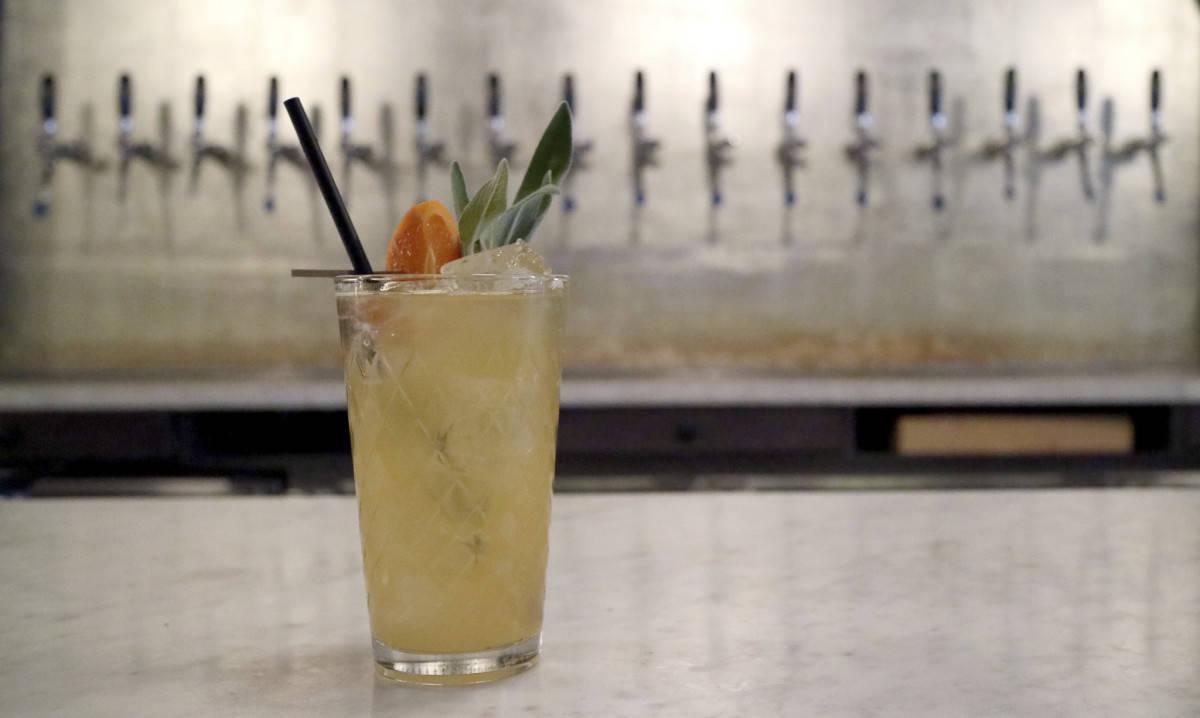 Wassail cocktail