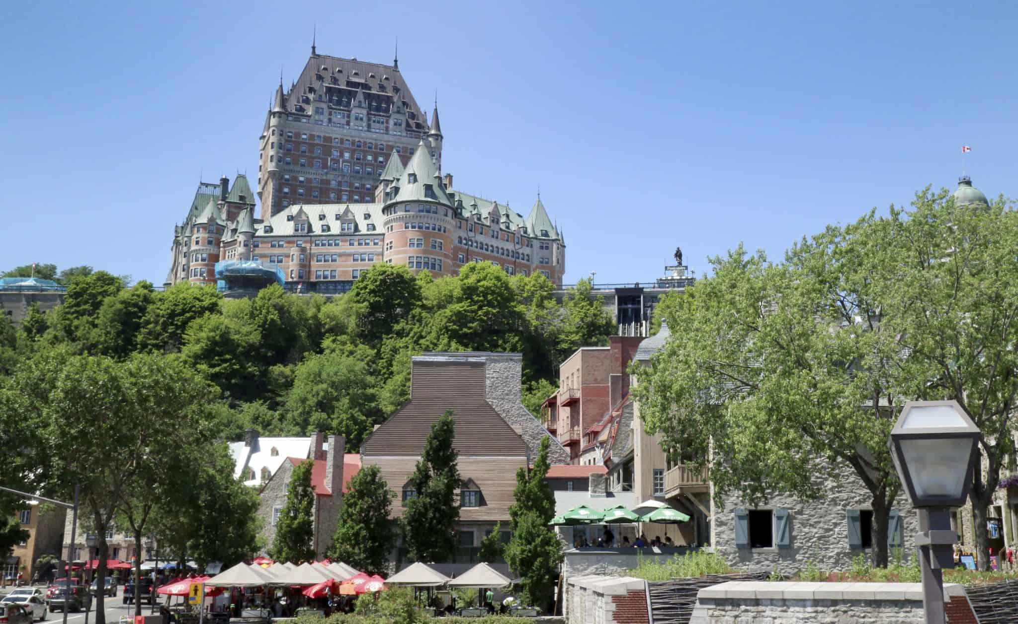 Quebec_Le Chateau Frontenac_far