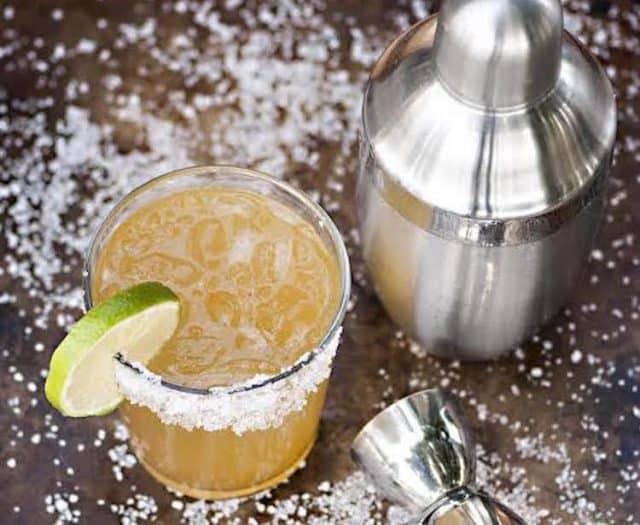 winter cider cocktails